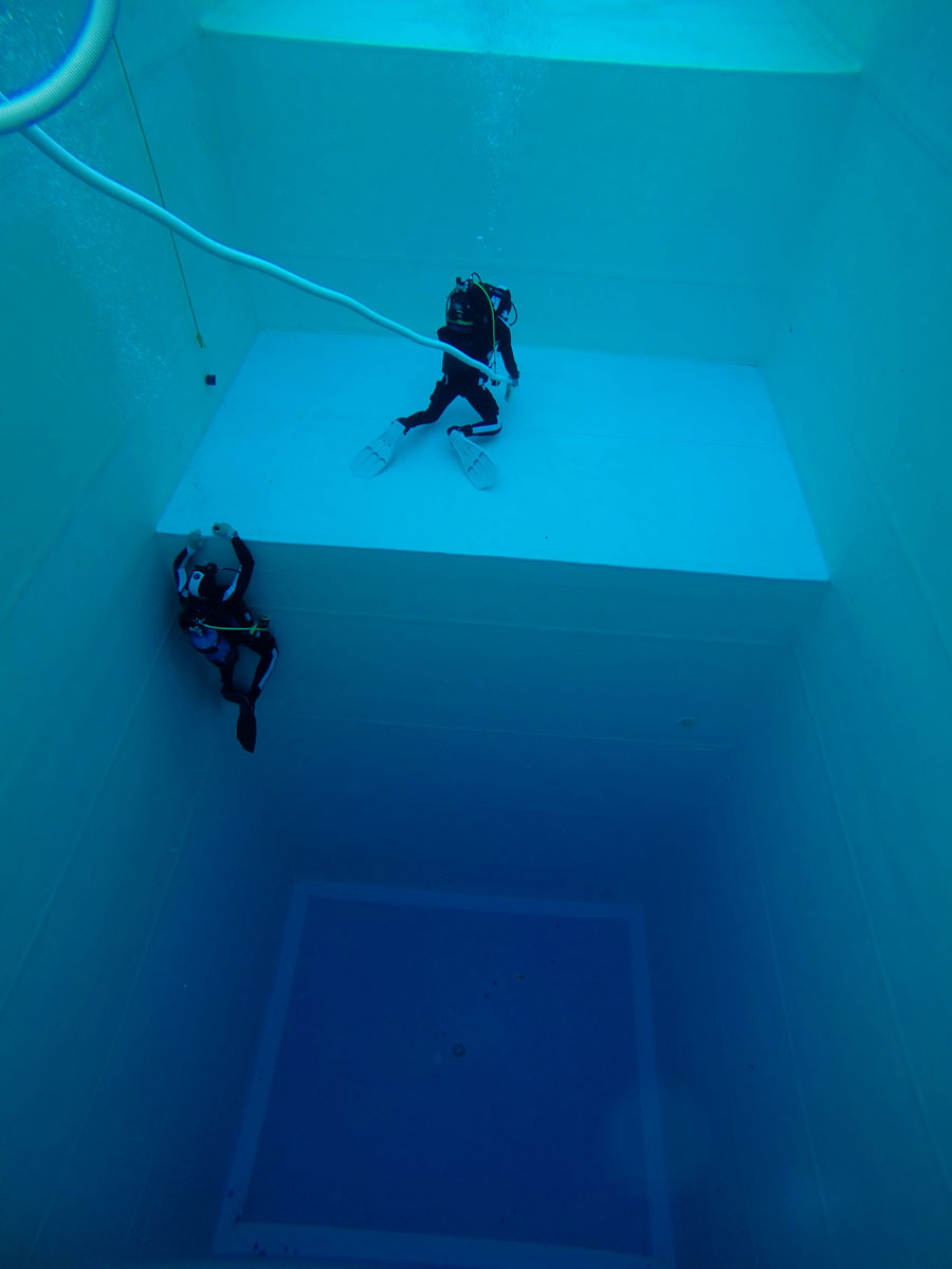 DiveSystem Company: The 10 mt depth pool view3